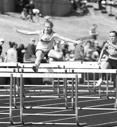 Barton, Lomega relays have strong regionals